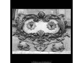 U Dvou slunců (1256-1), Praha 1961 , černobílý obraz, stará fotografie, prodej