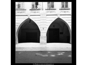 Podloubí v Havelské ulici 2, Praha 1961 , černobílý obraz, stará fotografie, prodej