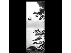 Mostecká věž v mlze (1314-2), Praha 1961 září, černobílý obraz, stará fotografie, prodej