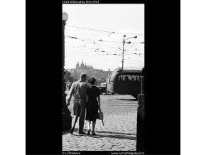 Křižovatka (1324), Praha 1961 léto, černobílý obraz, stará fotografie, prodej