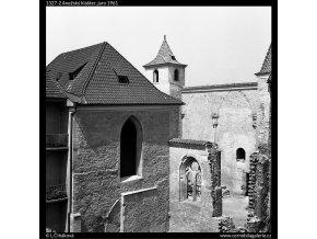 Anežský klášter (1327-2), Praha 1961 jaro, černobílý obraz, stará fotografie, prodej