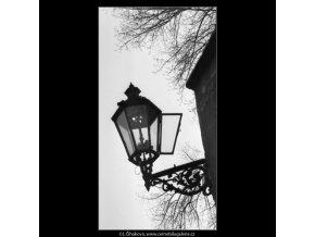 Plynová lampa (1371-2), žánry - Praha 1961 listopad, černobílý obraz, stará fotografie, prodej