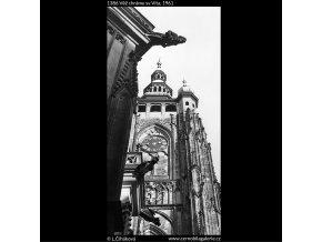 Věž chrámu sv.Víta (1386), Praha 1962 , černobílý obraz, stará fotografie, prodej