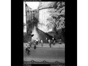 Pražské Benátky (1402-2), Praha 1961 , černobílý obraz, stará fotografie, prodej