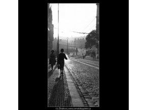 Světlo a stín (1404), žánry - Praha 1961 , černobílý obraz, stará fotografie, prodej