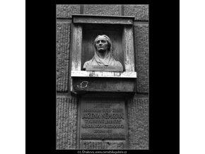 Úmrtní dům B.Němcové (1421-6), Praha 1962 leden, černobílý obraz, stará fotografie, prodej