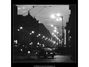 Začátek večera... (1448), žánry - Praha 1962 leden, černobílý obraz, stará fotografie, prodej