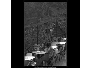 U stolečku... (1603), žánry - Praha 1962 květen, černobílý obraz, stará fotografie, prodej
