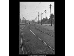 Před konečnou na Žižkově (1684), žánry - Praha 1962 červenec, černobílý obraz, stará fotografie, prodej