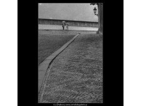 Jdoucí milenci (1889), žánry - Praha 1962 říjen, černobílý obraz, stará fotografie, prodej