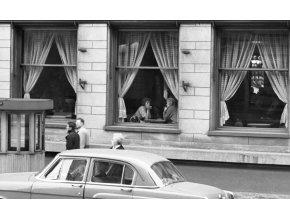 Okna kavárny Slavia (1838), žánry - Praha 1962 září, černobílý obraz, stará fotografie, prodej