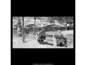 Na Alšově nábřeží (1898), žánry - Praha 1962 , černobílý obraz, stará fotografie, prodej