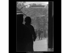 Pasáž Alfa - Světozor (1809), žánry - Praha 1962 září, černobílý obraz, stará fotografie, prodej