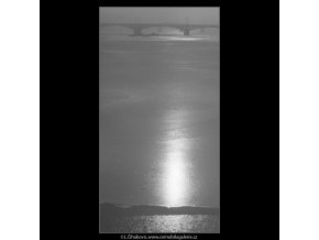 Odlesk na hladině (1953), Praha 1963 leden, černobílý obraz, stará fotografie, prodej