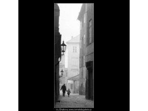 Saská ulička (1954), žánry - Praha 1963 leden, černobílý obraz, stará fotografie, prodej
