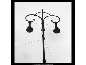 Koruna lampy (2018), Praha 1963 leden, černobílý obraz, stará fotografie, prodej