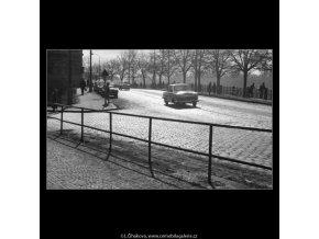 Smetanovo nábřeží (2055-1), žánry - Praha 1963 březen, černobílý obraz, stará fotografie, prodej