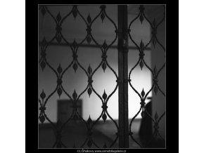 Novodobá kovová mříž (2068-2), Praha 1963 duben, černobílý obraz, stará fotografie, prodej