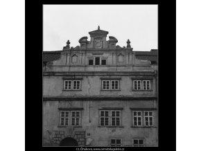Štít Martinického paláce (2069-2), Praha 1963 duben, černobílý obraz, stará fotografie, prodej