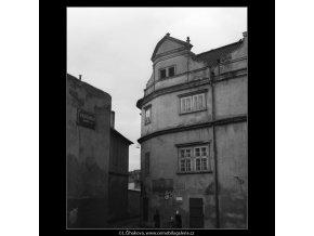 Štít Martinického paláce (2069-3), Praha 1963 duben, černobílý obraz, stará fotografie, prodej