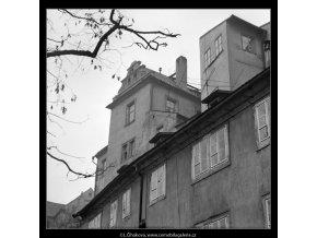 Okna z Hradčanského úvozu (2080-1), Praha 1963 , černobílý obraz, stará fotografie, prodej