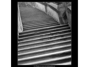 Schody (2082), Praha 1963 duben, černobílý obraz, stará fotografie, prodej