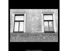 Okna a malovaná fasáda (2095-10), Praha 1964 , černobílý obraz, stará fotografie, prodej