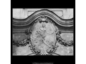 Z domu U kamenného zvonu (2157), Praha 1963 duben, černobílý obraz, stará fotografie, prodej
