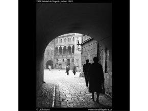Pohled do Ungeltu (2158), Praha 1963 duben, černobílý obraz, stará fotografie, prodej