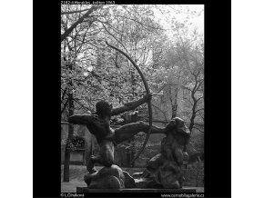Herakles (2182-4), Praha 1963 květen, černobílý obraz, stará fotografie, prodej