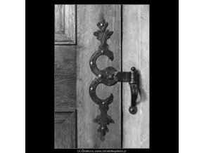 Kování na dveřích (2199-2), Praha 1963 květen, černobílý obraz, stará fotografie, prodej
