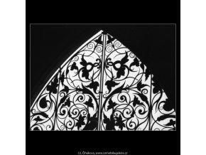 Mříž z věže (2200-2), Praha 1963 květen, černobílý obraz, stará fotografie, prodej