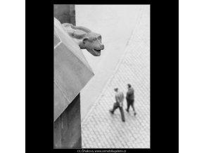 Chrlič na Prašné bráně (2273), Praha 1963 červen, černobílý obraz, stará fotografie, prodej