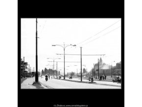 Na silnici ke Zbraslavi (2292-2), žánry - Praha 1963 červenec, černobílý obraz, stará fotografie, prodej