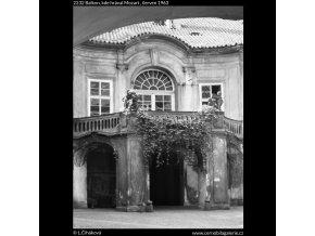 Balkon, kde hrával Mozart (2232), Praha 1963 červen, černobílý obraz, stará fotografie, prodej