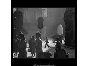 V Celetné ulici (2314-2), Praha 1963 , černobílý obraz, stará fotografie, prodej