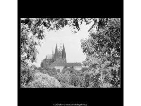 Pohled na Hradčany (2333), Praha 1963 srpen, černobílý obraz, stará fotografie, prodej