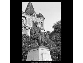 Pomník Aloise Jiráska (2365), Praha 1963 srpen, černobílý obraz, stará fotografie, prodej