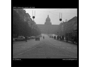 Václavské náměstí (2392-1), žánry - Praha 1963 září, černobílý obraz, stará fotografie, prodej