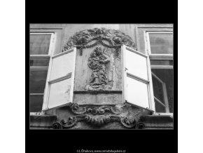 U černého koníčka (2397-1), Praha 1963 září, černobílý obraz, stará fotografie, prodej