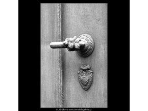 Klika na dveřích  (2421-2), Praha 1963 září, černobílý obraz, stará fotografie, prodej