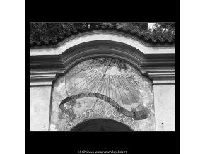 Sluneční hodiny (2424-4), Praha 1963 září, černobílý obraz, stará fotografie, prodej