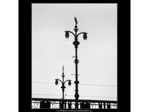 Lucerna Čechova mostu (2436-2), Praha 1963 září, černobílý obraz, stará fotografie, prodej