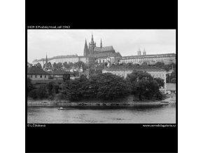 Pražský Hrad (2439-3), Praha 1963 září, černobílý obraz, stará fotografie, prodej