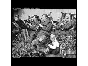 Koncert Ústř.hudba min.vnitra (2447-3), žánry - Praha 1963 září, černobílý obraz, stará fotografie, prodej