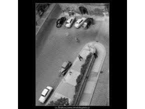 Radniční schody (2482-6), Praha 1963 září, černobílý obraz, stará fotografie, prodej