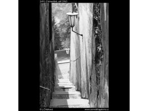 Schodiště (2491-2), Praha 1963 září, černobílý obraz, stará fotografie, prodej