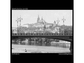 Pražský hrad (2530), Praha 1963 září, černobílý obraz, stará fotografie, prodej