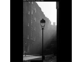 Plynové lampy (2588-2), žánry - Praha 1963 prosinec, černobílý obraz, stará fotografie, prodej
