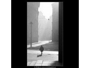 Dítě (2589), žánry - Praha 1963 prosinec, černobílý obraz, stará fotografie, prodej